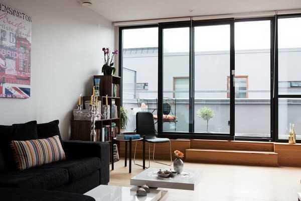 现代客厅平开窗