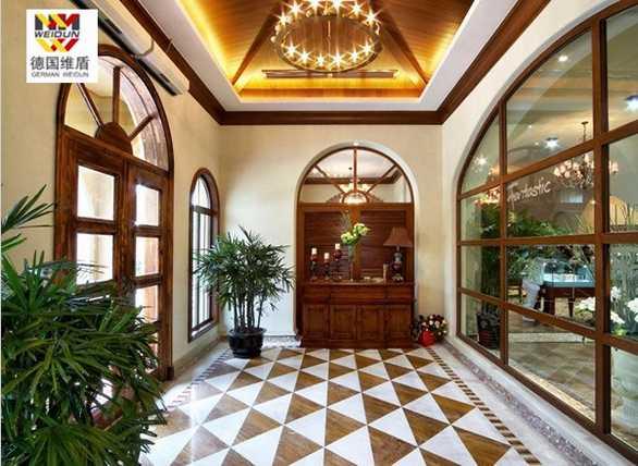 酒店复古实木门窗