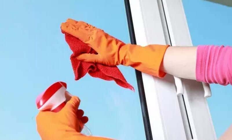去除门窗污垢